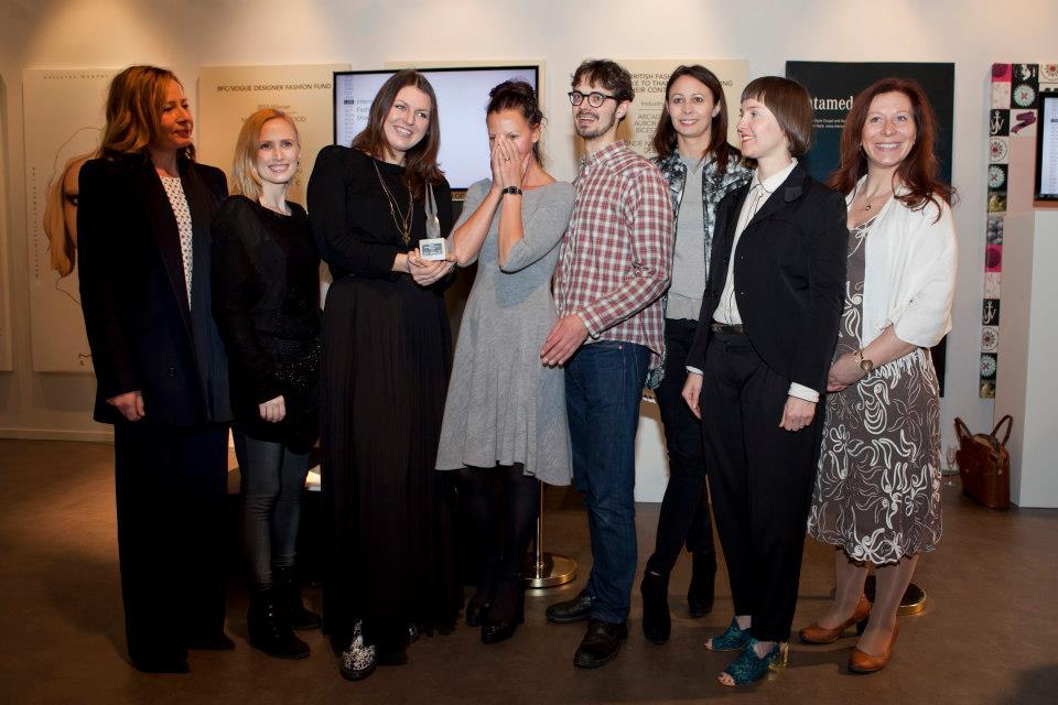 e254ee43b29 184210 429711260442829 518134606 n Eesti moeloojate väljapanek võitis  Londoni moenädalal International Fashion ...
